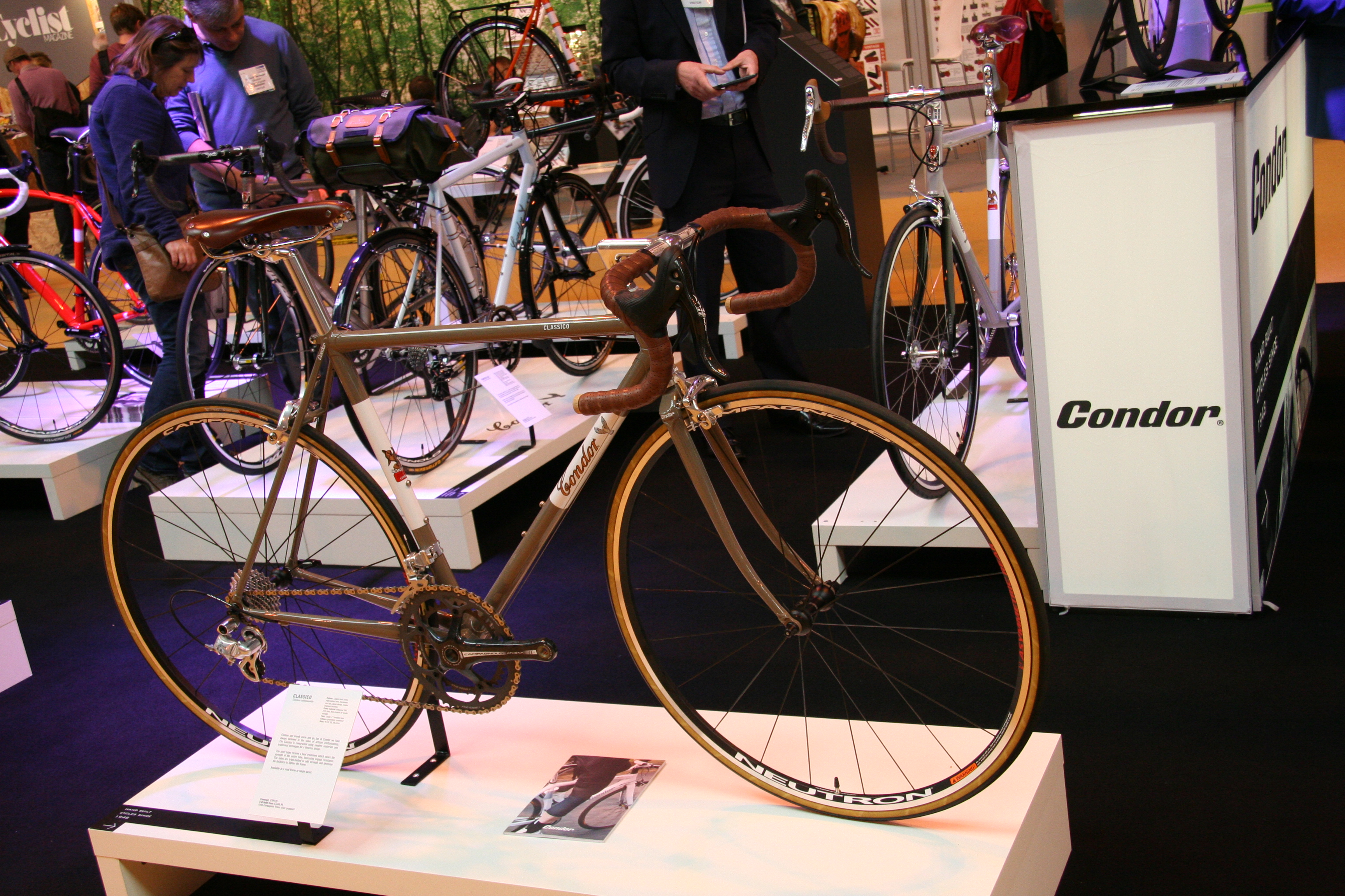 Retro And Vintage At The Cycleshow 2013